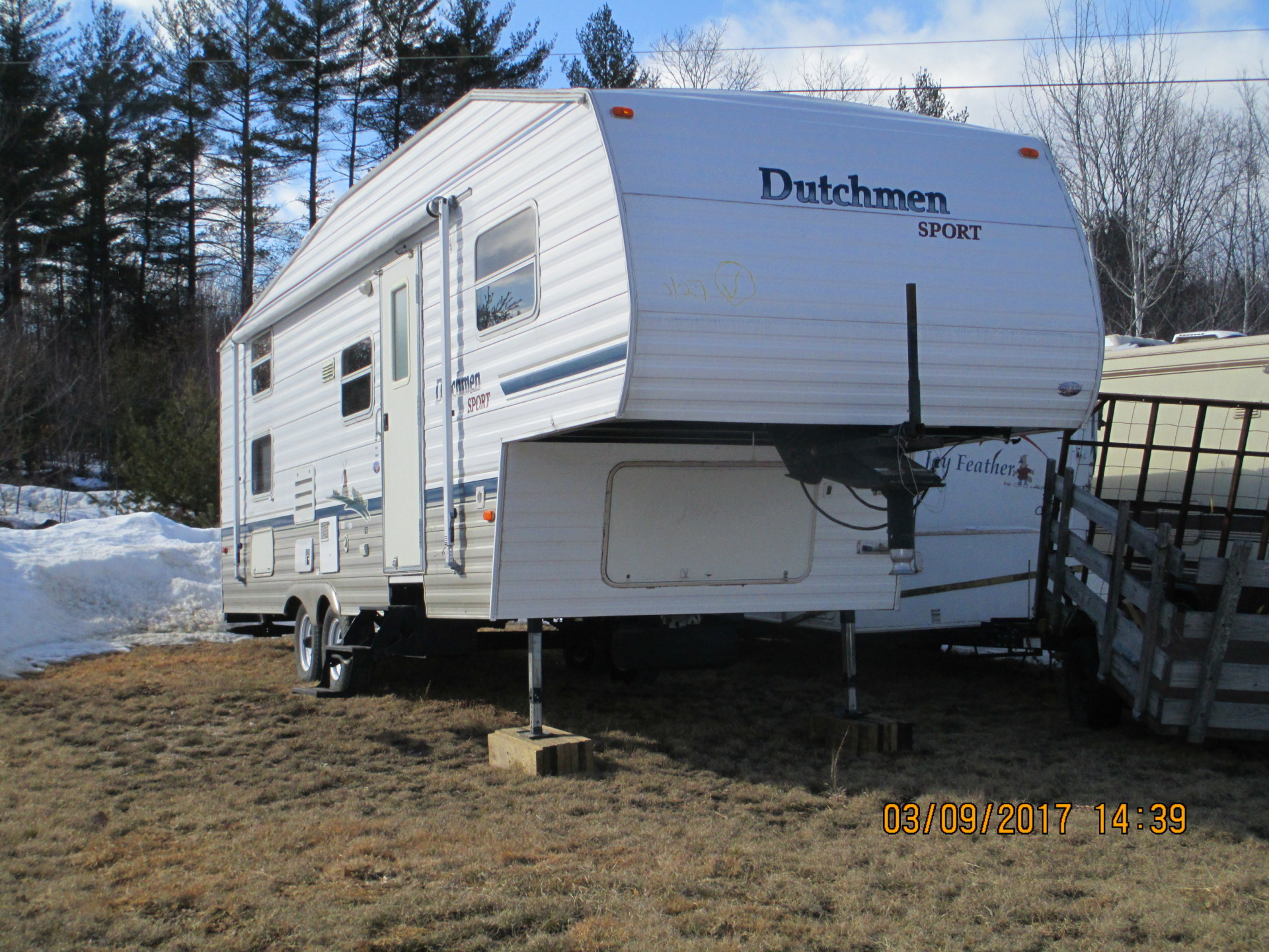 2004 Dutchmen Sport 5th Wheel Camper