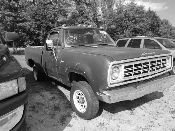 1974 Dodge D150 4WD