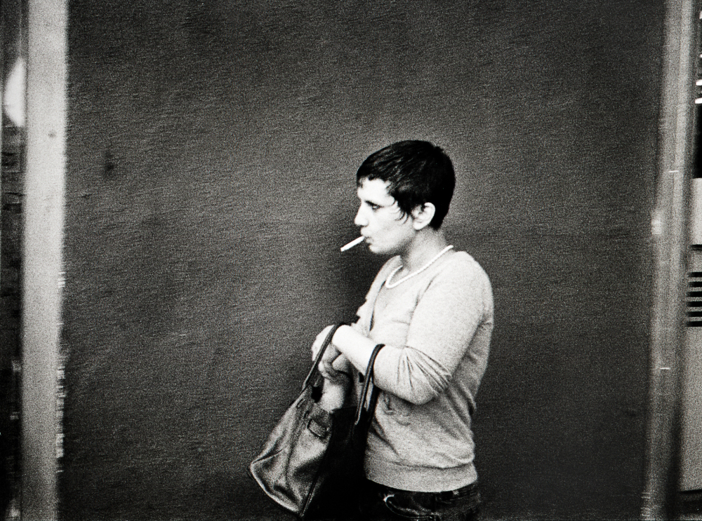 Street photography, Los Angeles Mon amour, Leica, black and white, woman with cigarette,