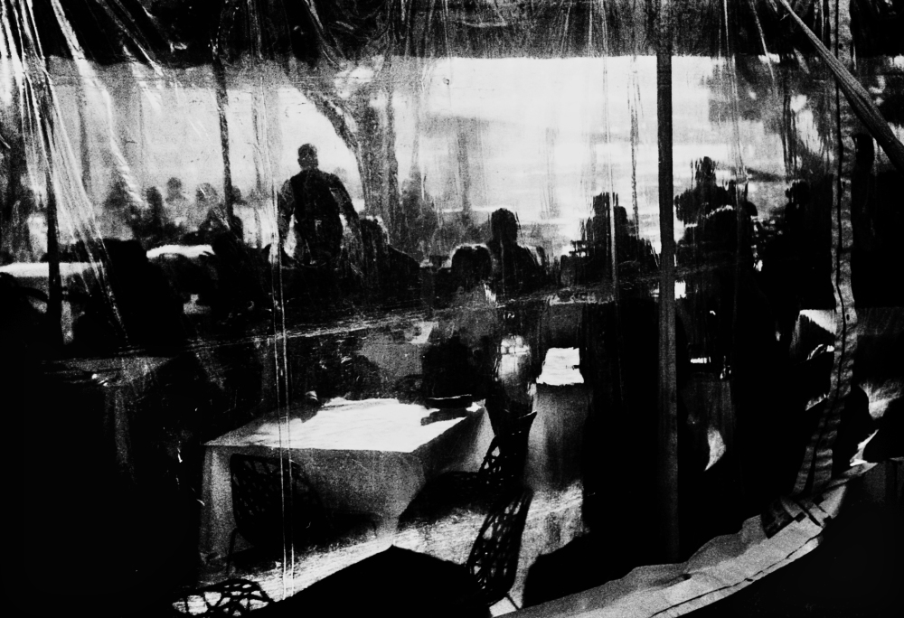 Street photography, Los Angeles Mon amour, Leica, black and white, restaurant,