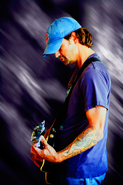 CHRIS MEYER / GUITAR, VOCALS