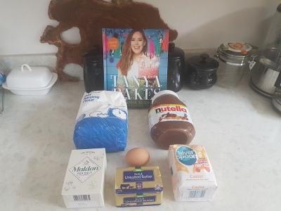 Tanya Burr Bakes Salted Nutella Cookies