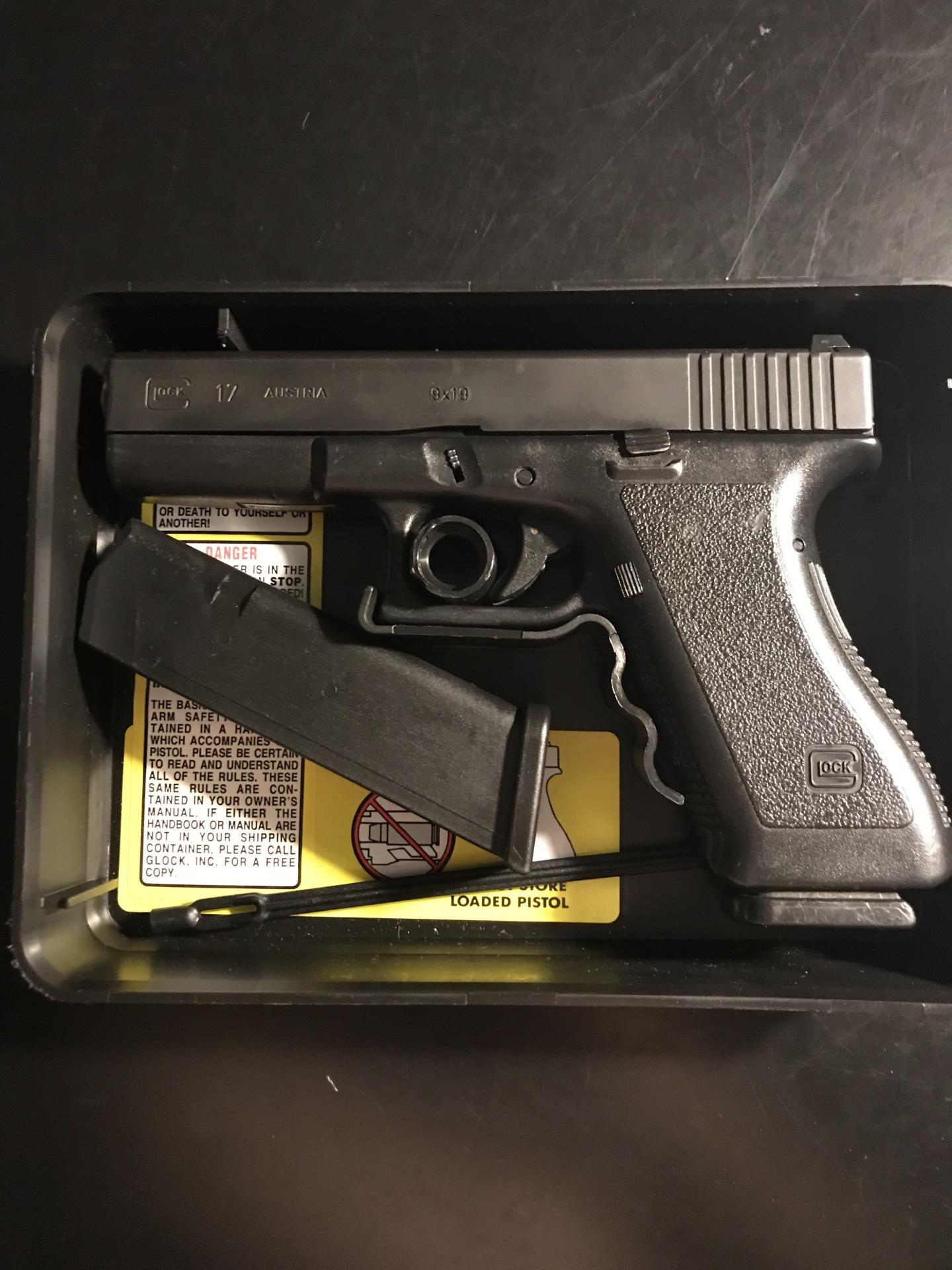 Glock 17 Gen 2 NS $450