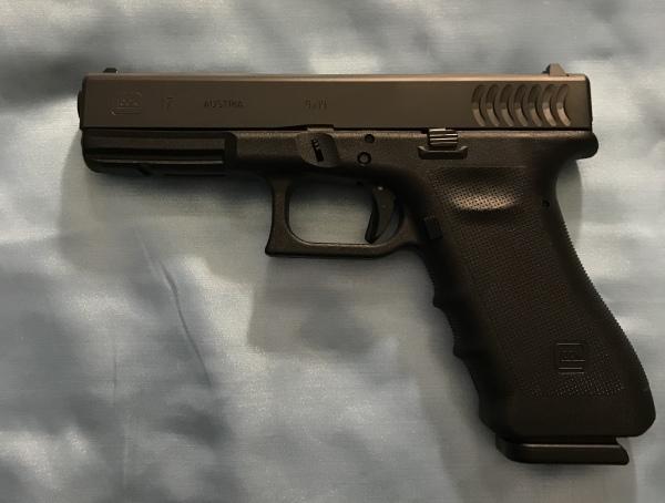 """Rare Glock 17 RTF2 """"Fish Gills"""" $650"""