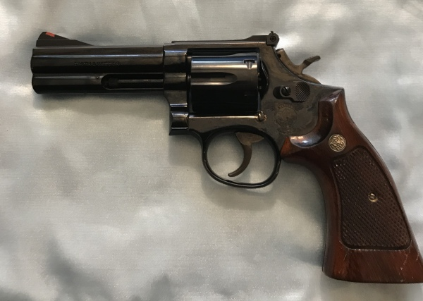 MINT S&W 586 no dash, .357mag $1000  SALE! $900!!!