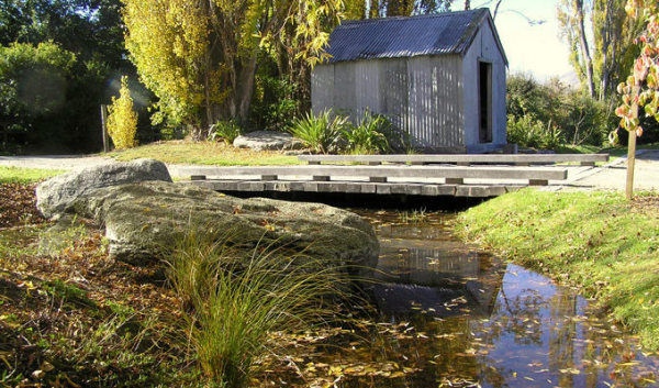 Alpine Landscaping Stonework Stonemason Construction Paving Queenstown Excavation Irrigation Water feature Maintenance Pond Planting Schist Gardening Pruning Cladding Lawn Cobblestones Flagstone