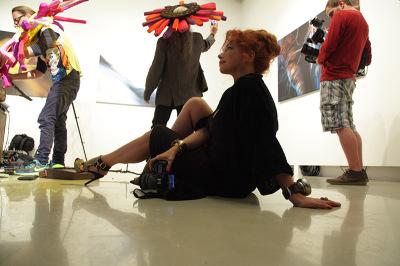Performansz az A38-as hajón, Marjai Judit kiállításán
