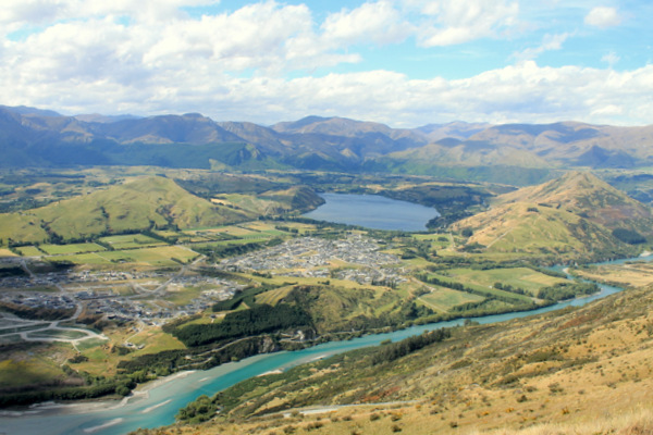 Should Lake Hayes and Shotover Country join up?