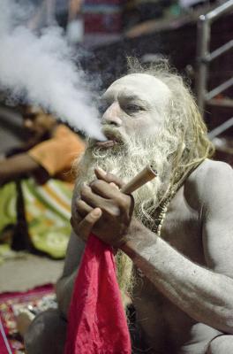 HOLY SMOKE.VARNASI, INDIA, 2016.