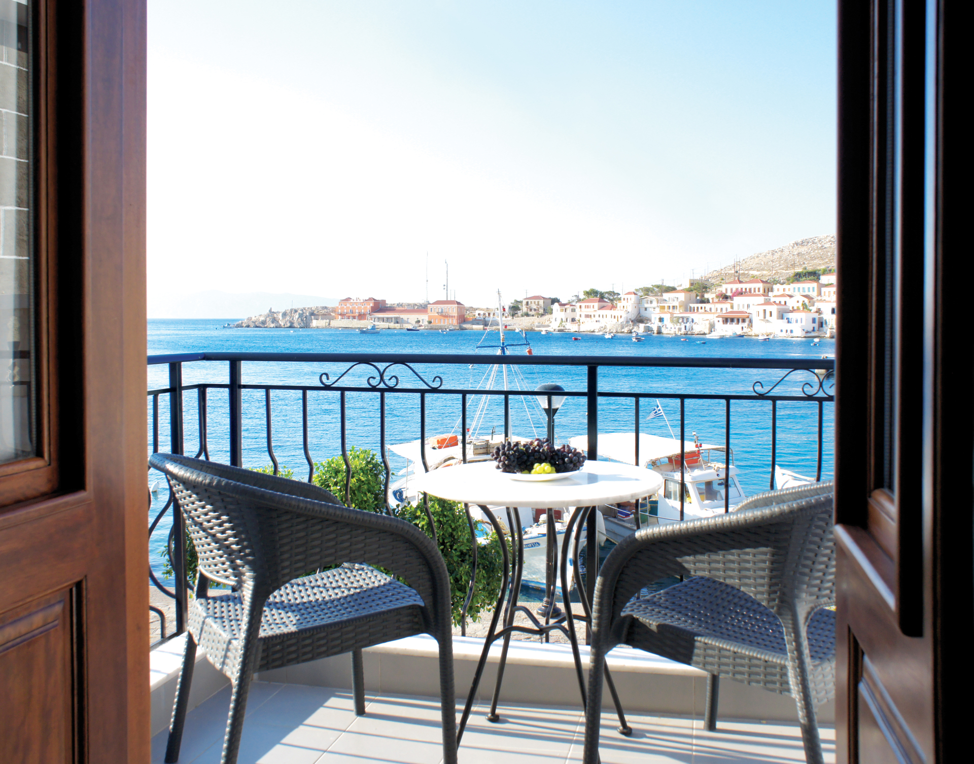 Deluxe White Villa - Balcony
