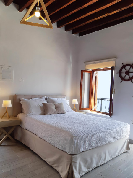 Large double bed Superior villa