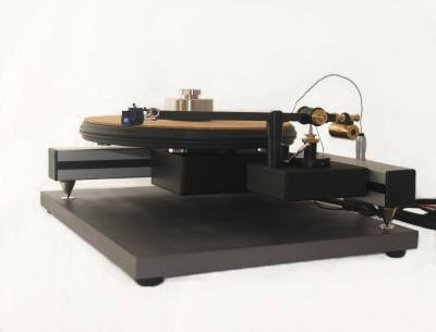 The iota QT turntable and Satori B tonearm