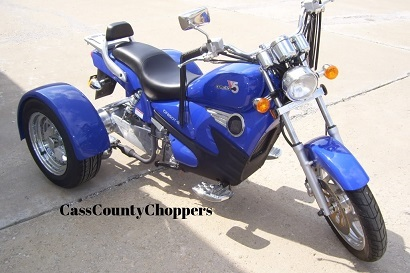 Blue CF Moto V5 motorcycle converted to trike with conversion kit.