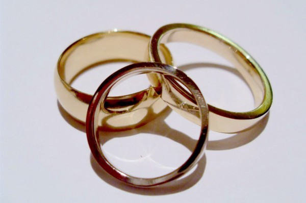 Rosalyn's Emporium 3 wedding rings. Your choice. Wedding rings can be made in yellow, white or rose gold on the day. Platinum & palladium wedding rings will be cast from a silver version you make.