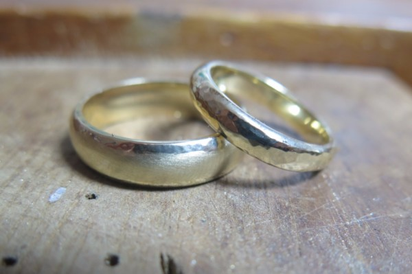 make your own 9ct yellow gold wedding rings