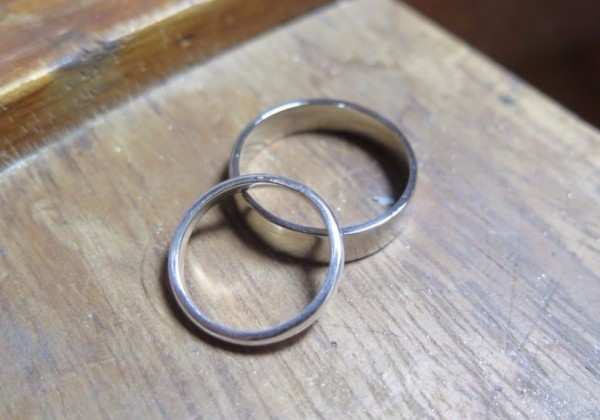 make your own 18ct white gold and silver wedding rings