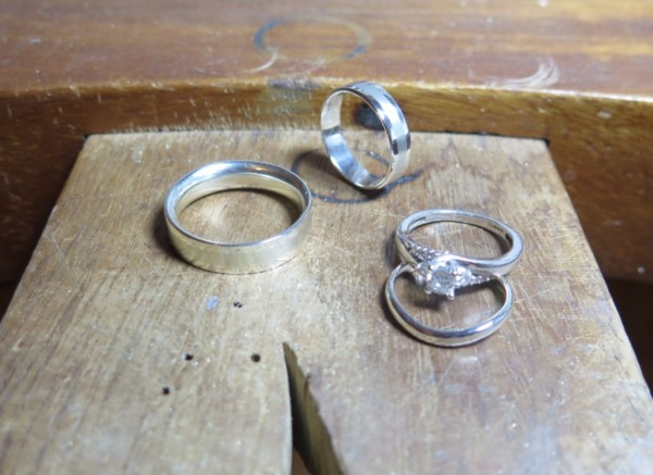 make your own 9ct white gold wedding rings