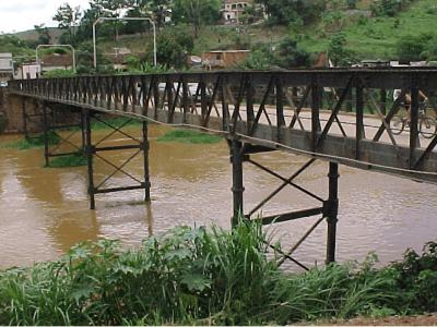 Ponte sobre o Rio Paraibuna