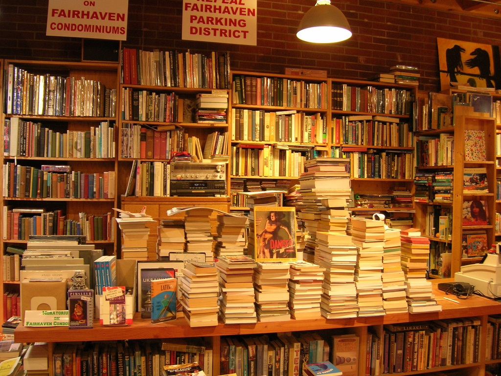 Buy books by the kilo