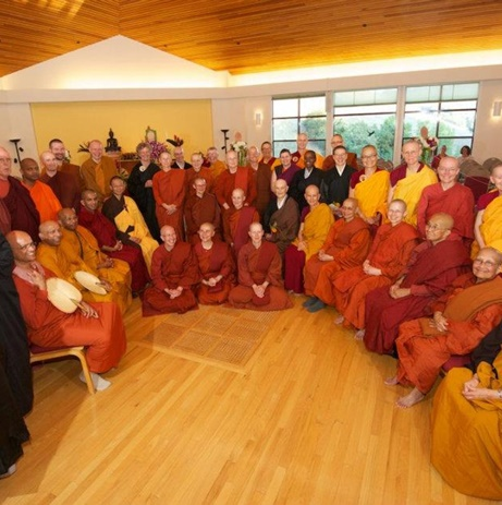 Bhikkhuni ordinationin California 2011