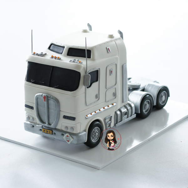 Kenworth Truck Cake