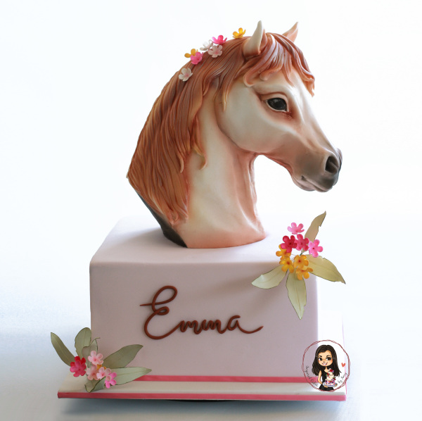 3d carved horse head cake