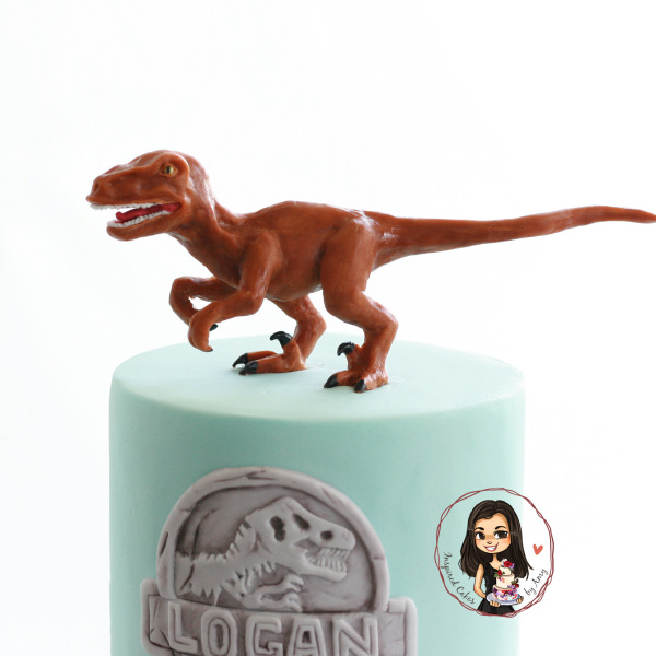 jurassic world cake - modelled chocolate raptor