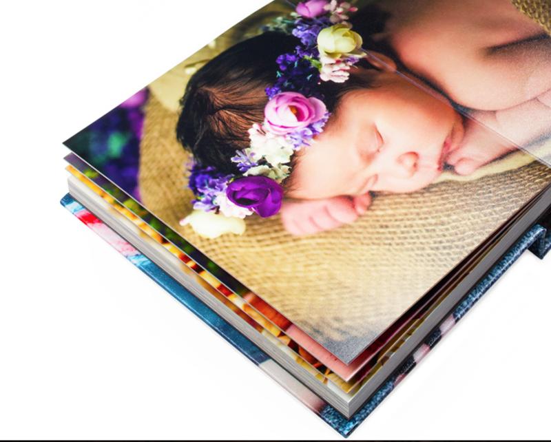 "<img src=""book.png"" alt=""Wedding album flush mount book"">"