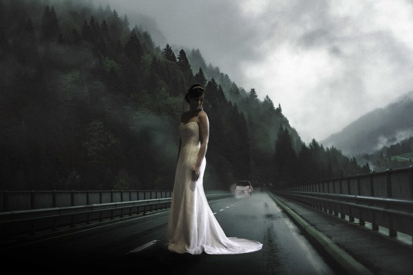 "<alt=""bride in the middle of road"">"