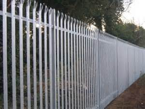Palisade fenceing