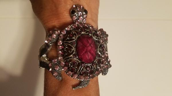 BLING turtle wrist bracelet