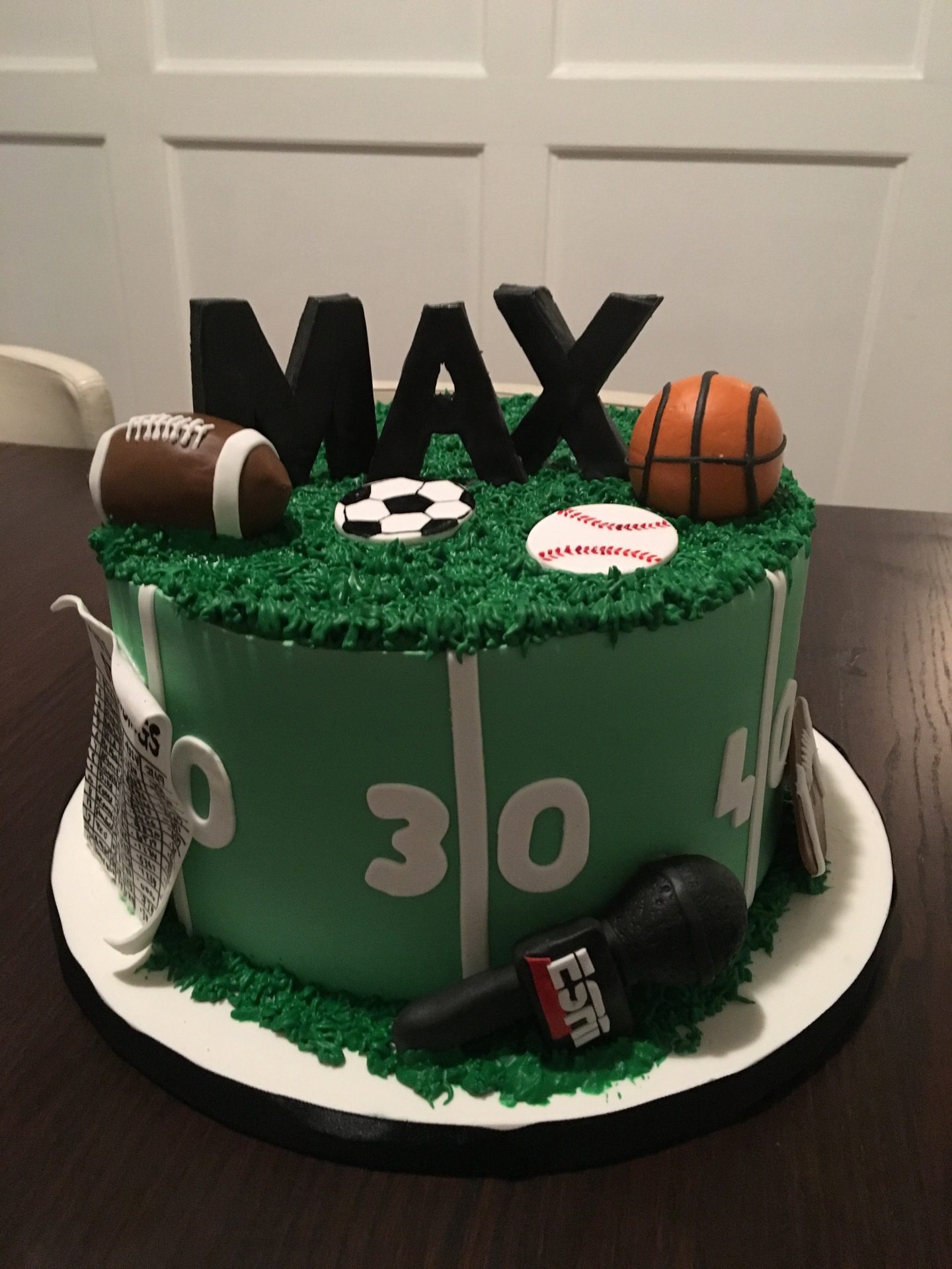 custom cake nj sports themed cake sportscaster cake