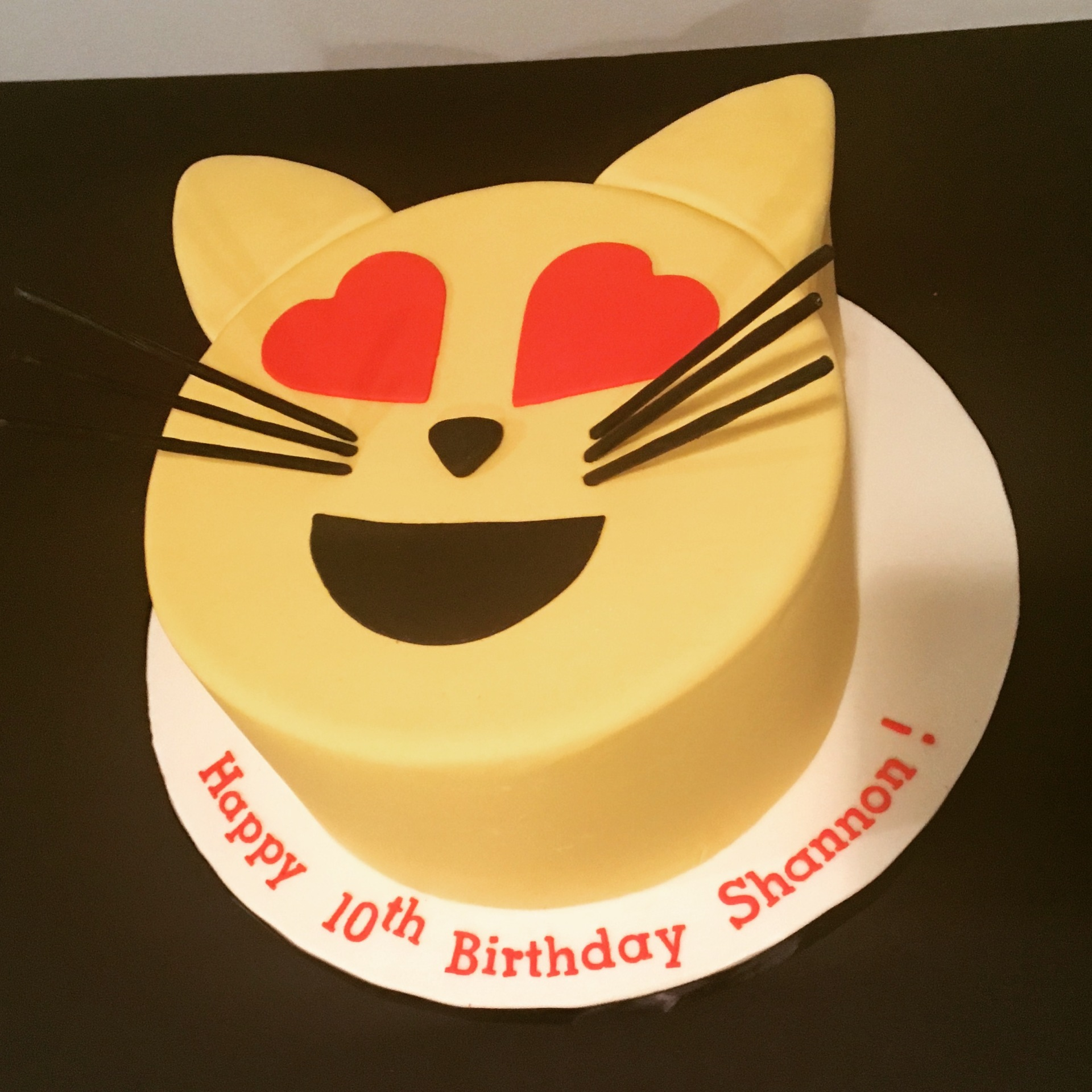 custom cakes nj cat emoji cake