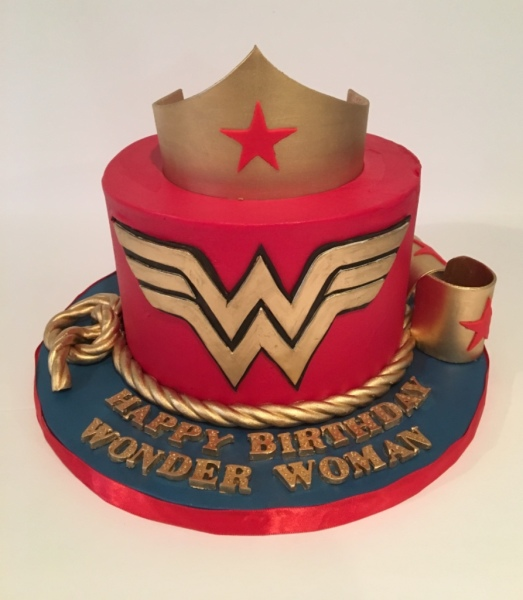 custom cakes nj wonder woman cake
