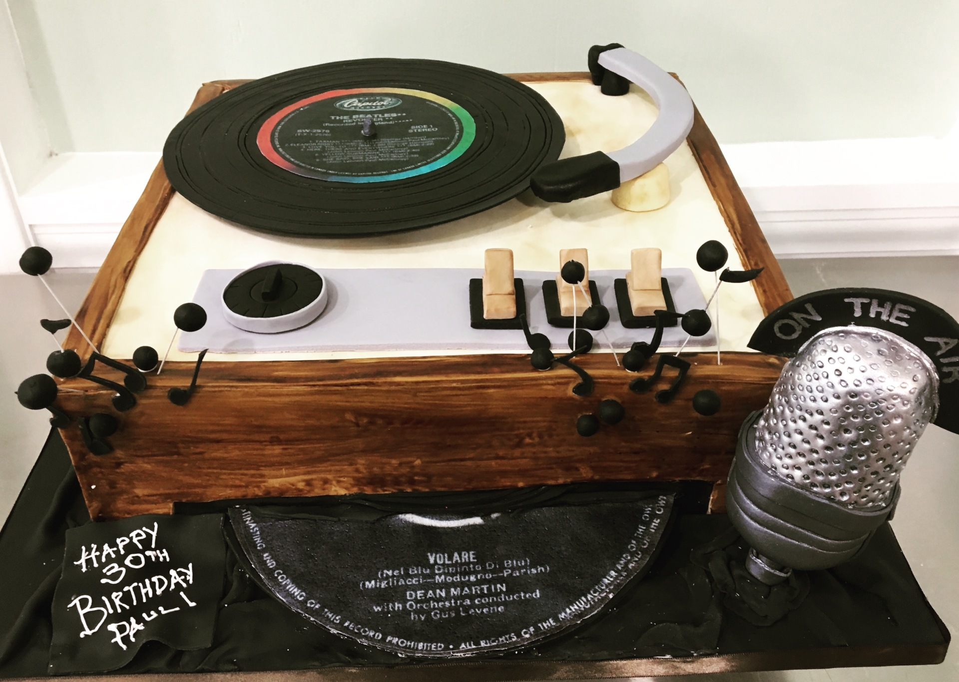 custom cakes nj vintage record player vinyl cake