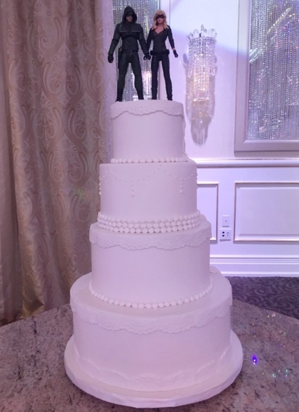 custom cakes nj  wedding cake vintage lace different back