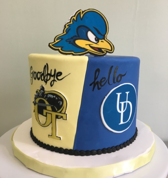 Hello Goodbye Graduation Cake