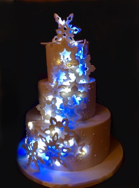 NJ Wedding Cakes with lights
