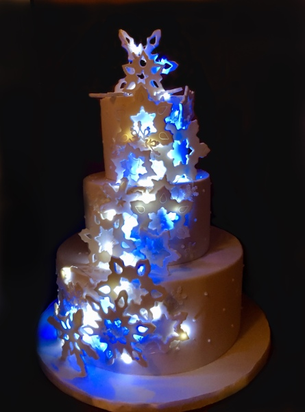 NJ Wedding Cakes with lights