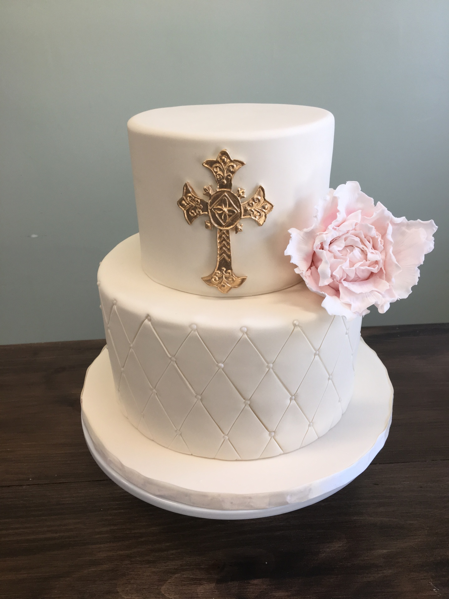 Custom Cakes NJ Ivory and gold cake with pink sugar flower