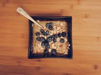 5-Minute Oats & Peanut Butter Breakfast
