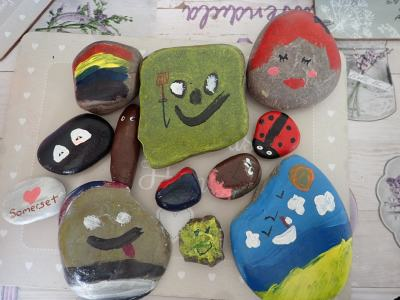 Rock painting/hiding craze