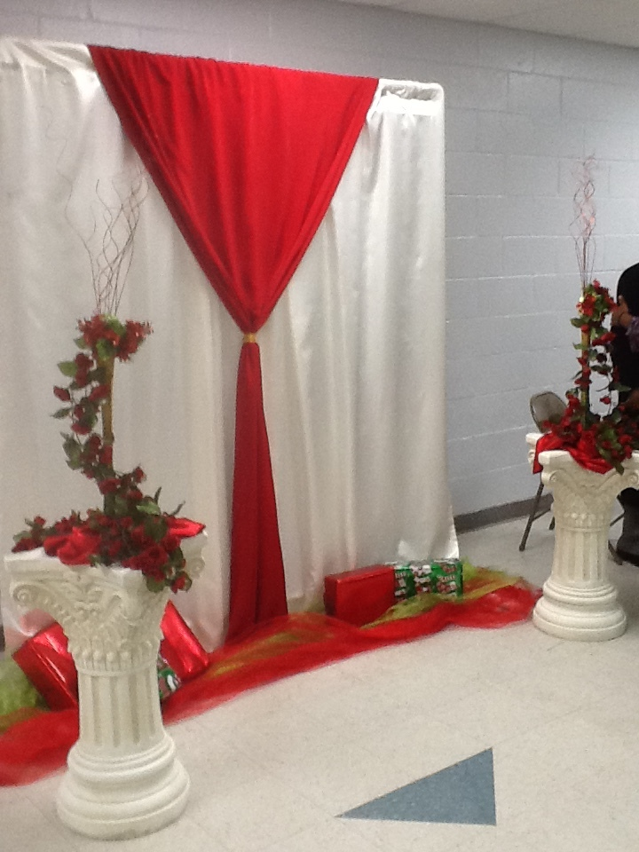Small Event Decor (Photo Backdrop)