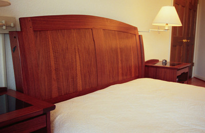 Bed Walnut Curve Custom