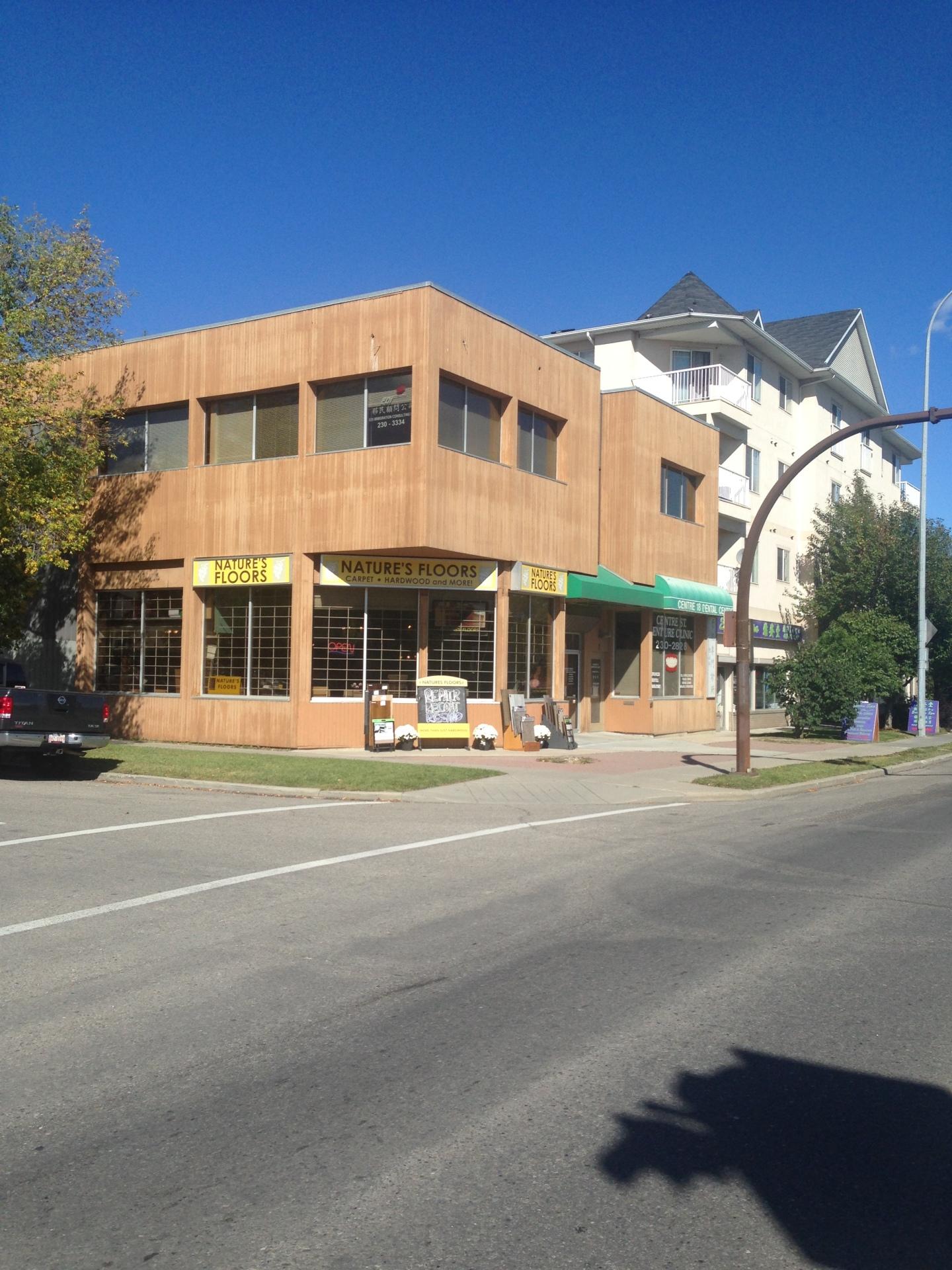 1-1901 Centre St NW Calgary AB