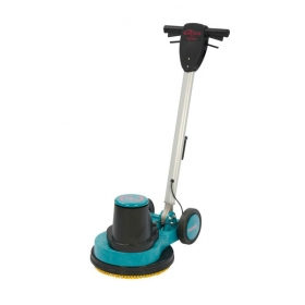 Compact carpet cleaning machine