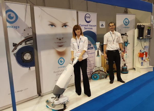 displaying and demonstrating the i-mop at ExpoWest