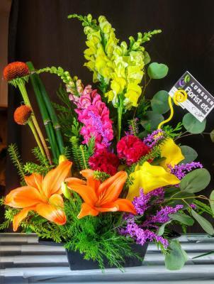 lilies, garden, flowers, lumsden, regina, florist, vase, bouquet, colourful