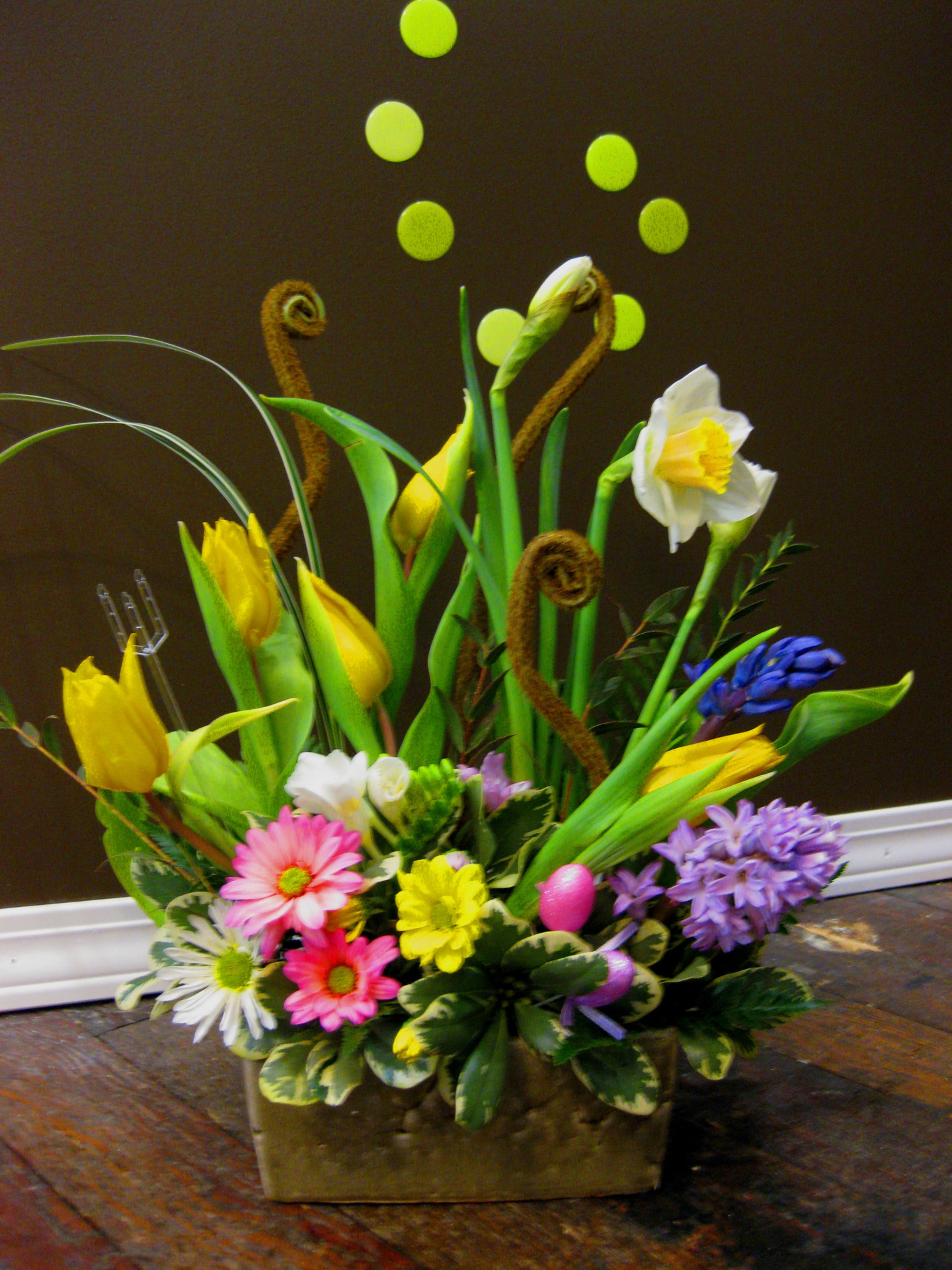 willow, daffodil, tulip, easter, happy, cheerful flowers, bouquet, entertainers, vase, lumsden, regina, craven, regina beach, buena vista