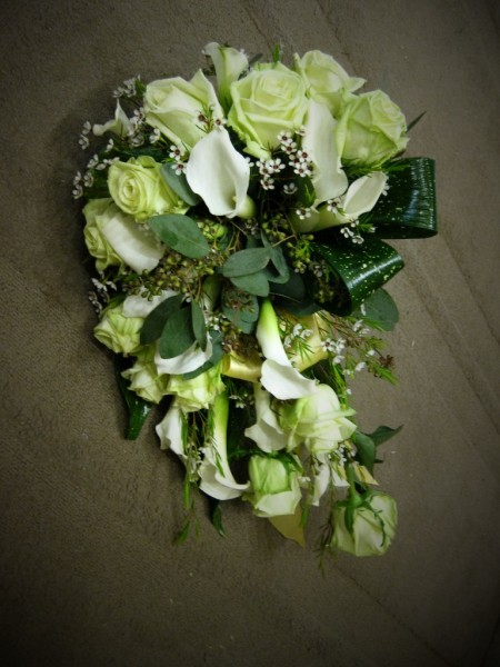green, white, cascade, bouquet, wedding